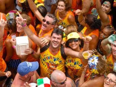 Carnaval: como agir em caso de importunação sexual