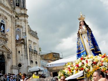 Padroeira da Bahia: fiéis comemoram dia de Nossa Senhora da Conceição