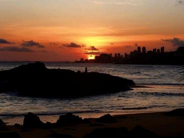 Salvador Oferece Sol, Praia, História e Fartura Gastronômica